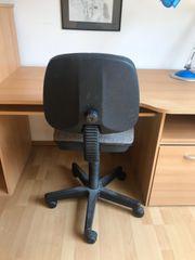 Schreibtisch mit Aufsatz Schreibtischstuhl und