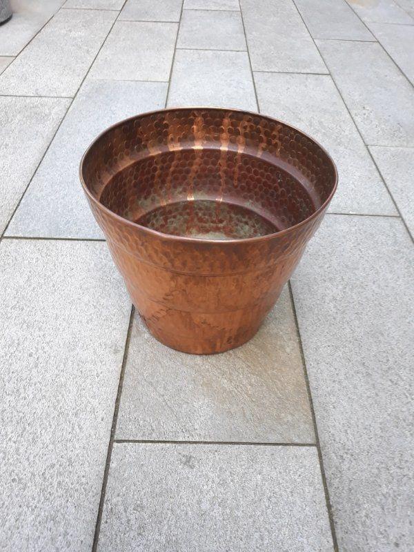 verzierter großer konischer Kupferübertopf Blumentopf
