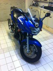 Kawasaki ZR750F mit weiteren Extras