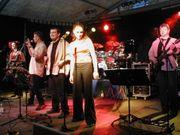 Suchen Basser-in Drummer-in für Unplugged