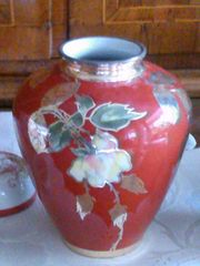 dekorative rotbraune Silber-Overlay-Porzellanvase