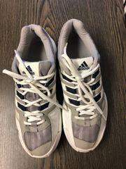 Adidas Turnschuhe Gr 39 40
