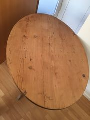 Alter Holztisch