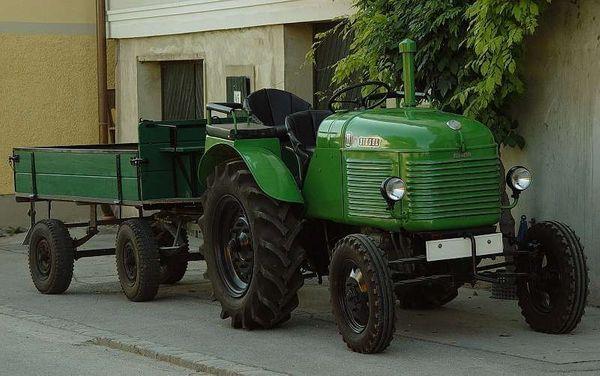 Traktor Anhänger Zweiachser restauriert ideale