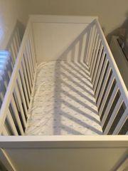 Babybett und Orthopädische Matratze