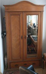 Antiker Schrank mit Spiegel ca