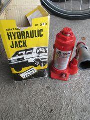 Hydraulischer Stempelwagenheber