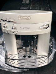 Kaffeevollautomat - DeLonghi - MAGNIFICA