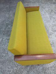 Sofa 4 Stühle mit Tisch