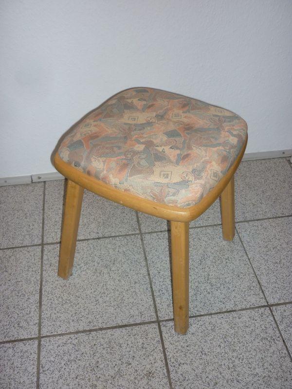 Neuer Holz-Sitzhocker