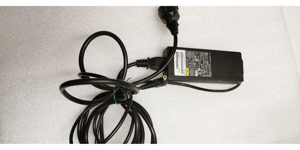 Fujitsu laptop Netzteil Adapter ADP-80SB