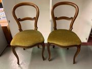 Antike Stühle aus Nussbaum mit
