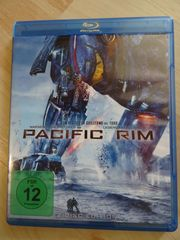 Pacific Rim 2 Disc Edition