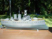 Uraltes Kriegsschiff mit Uhrwerk - funktioniert