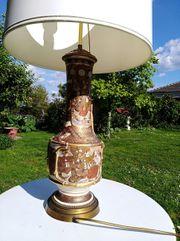 Antike chinesische Lampe
