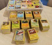 2390 Pokemon Karten mit jede