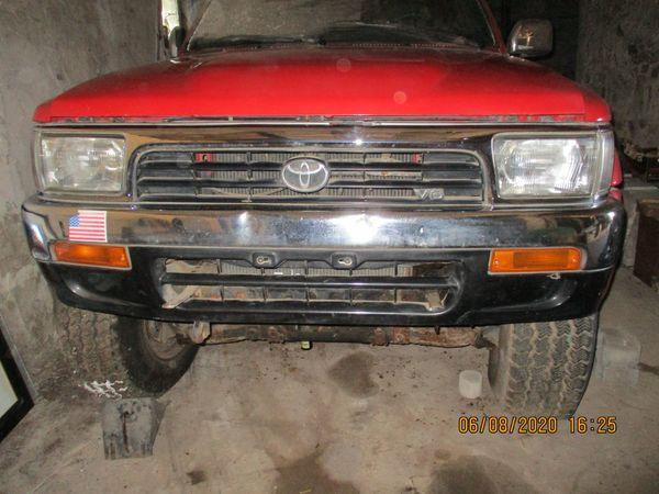 Toyota Jeep mit gr Reifen