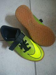 hallenschuhe Nike Größe 35
