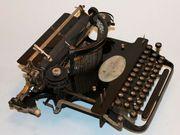 Schreibmaschine typewriter Polygraph Mod 3
