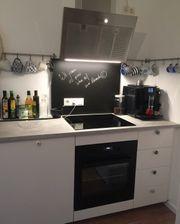 Neuwertige Küche mit Elektrogeräte mit