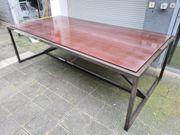 Holztisch aus Kirschbaum