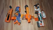 Großes Nerf-Spielzeugwaffen-Paket in sehr gutem