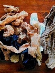 Nylonsöckchen und Feinstrumpffhosen