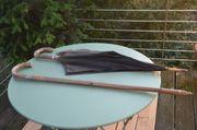 Wanderstock Gehstock und Opas Regenschirm