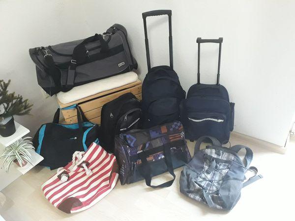 Sporttaschen - Rucksäcke - Reisetaschen