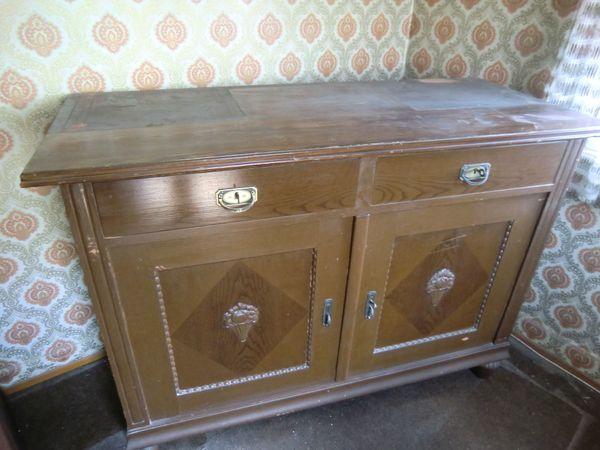 Schrank mit 2 Schubladen und 2 Türen (handgemacht)
