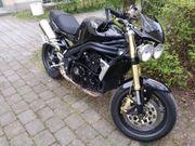 Triumph Speed Triple 1050 mit