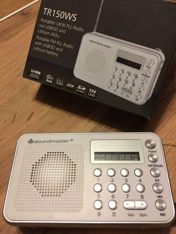 Portabler UKW PLL Radio neuwertig