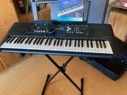 Yamaha Keyboard YPT 330 mit