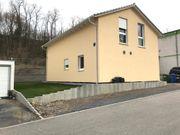Neuwertiges Einfamilienhaus in bevorzugter Waldrandlage