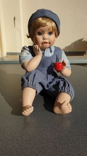 GOLDMIE Porzellan-Puppe neuwertig 28cm