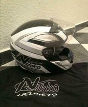 Helm Nikko Neuwertig