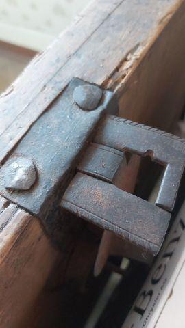 Bild 4 - Alte Holztruhe mit Klappe - Bregenz