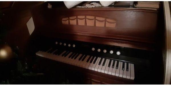 Antikes Harmonium