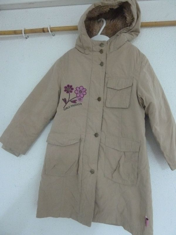 buy popular 74503 aaf87 Mädchenmantel warm, Größe 122 in Heßheim - Kinderbekleidung ...