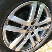 Neue Komplett-Sommerreifen VW Golf
