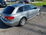 Das Auto Audi a4 quattro