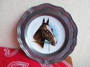 Zinnteller mit Pferdekopf