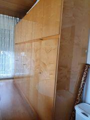 Kleiderschrank aus hochwertigem Holz 70er