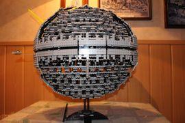 1x LEGO Star Wars Todesstern: Kleinanzeigen aus München Altstadt-Lehel - Rubrik Spielzeug: Lego, Playmobil