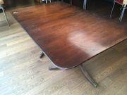 größenverstellbarer antiker Holztisch von 1905