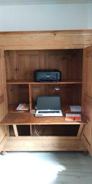 Büro im Schrank