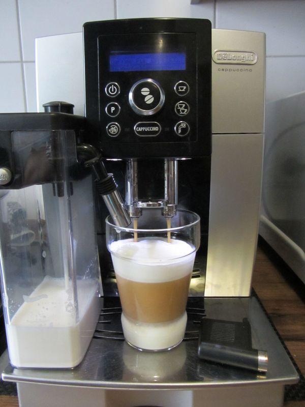 Kaffeevollautomat ECAM 23 450 Cappuccino