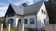 Idyllisches Einfamilienhaus mit Seeblick