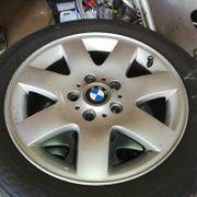 BMW-Alufelgen mit Sommerreifen 205 55