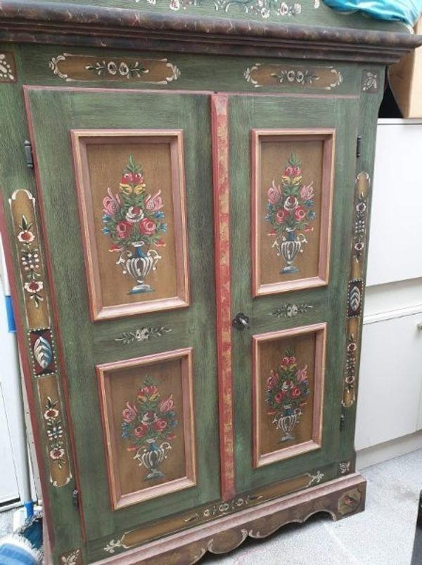 Voglauer Möbel Anno 1800 Und Eine Alte Nähmaschine In Hockenheim